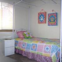 07Summit_902-bedroomS